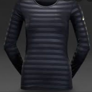 NWT Nike black pro hyperwarm crew embossed top S